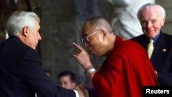 沃尔夫议员与达赖喇嘛会面(资料照)