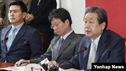 한국 새누리당 김무성 대표가 5일 국회에서 열린 최고위원회의에서 모두발언을 하고 있다.