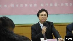 政治大学国家发展研究所所长童振源教授 (美国之音赵婉成)