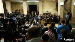 Đặc sứ Liên Hiệp Quốc về Syria Staffan de Mistura phát biểu sau khi khai mạc cuộc đàm phán tại Geneva, Thụy Sĩ, ngày 29/1.