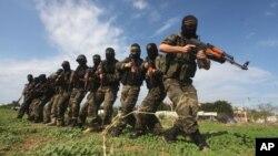 Hamas cai trị dải Gaza và muốn thành lập một quốc gia Hồi Giáo trên toàn cõi Gaza, Bờ Tây và Israel.