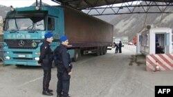 Zyrtarët e Kosovës: Do të veprojmë për vendosjen e autoritetit në veri