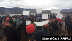 Protest of refugees and migrants on location Lipa near Bihac.