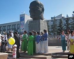 乌兰乌德市中心列宁像