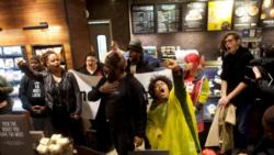 လူမ်ဳိးေရးခဲြျခားမႈႈ ေ၀ဖန္ခံရလို႔ Starbucks ၀န္ထမ္းေတြကို သင္တန္းေပးမည္