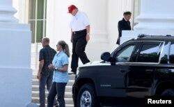 特朗普总统7月14日离开白宫,前往维吉尼亚州斯特灵的特朗普国家高尔夫俱乐部。