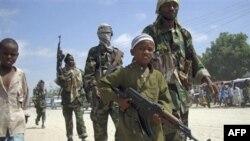 Tổ chức Hồi giáo al-Shabab ngày càng tuyển mộ nhiều trẻ em làm lính