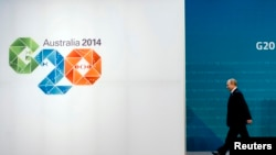 G20 အစည္းအေ၀းအတြက္ ဘရစၥဘိန္းၿမိဳ႕သို႔ ေရာက္သြားသည့္ မစၥတာပူတင္။ ႏို၀င္ဘာ ၁၅၊ ၂၀၁၄။