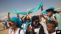 زنان از قشر های مختلف به شمول یهودیان و مسلمانان در این راهپیمایی شرکت کردند و هدف آنان فقط صلح بود