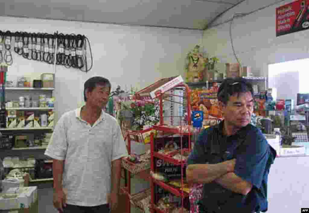 Le Nguyen store, selling food and equipment for fishermen, also affected by the disaster, 07/27/2010