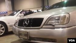 کراچی میں نئی اور کلاسیکل کاروں کی دلکش نمائش