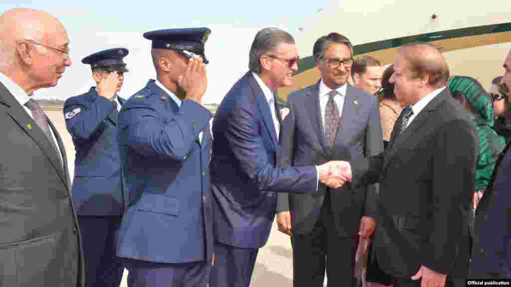 وزیر اعظم نواز شریف منگل کی شام امریکہ کے چار روزہ سرکاری دورے پر واشنگٹن پہنچے تھے۔