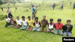 Reuters Investigates: Massacre in Myanmar ျမန္မာႏုိင္ငံမွ အစုလိုက္အျပံဳလိုက္သတ္ျဖတ္မႈဆိုတဲ့ ေခါင္းစဥ္နဲ႔ အစီရင္ခံစာ ႐ိုက္တာသတင္းဌာနက ေဖေဖာ္ဝါရီလ ၈ ရက္ေန႔စြဲနဲ႔ ထုတ္ျပန္။ September 2, 2017. Picture taken September 2, 2017.