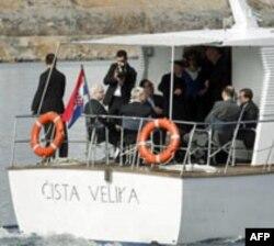 """Brodom Hrvatske ratne mornarice """"Čista Velika"""" delagacije dve zemlje stigle su u Opatiju"""