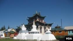 俄罗斯布里亚特地区的佛教寺庙(美国之音白桦拍摄)