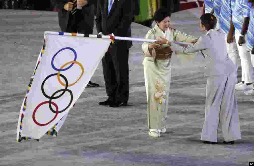 آئندہ اولمپکس 2020ء جاپان کے شہر ٹوکیو میں ہوں گے، ریو اولمپکس کی اختتامی تقریب میں اولمپک پرچم جاپان کے حوالے کیا گیا۔