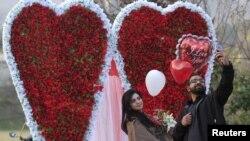 ပါကစၥတန္မွာ Valentine's Day ဆင္ႏႊဲခြင့္ ပိတ္ပင္