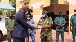 Les Maliens lèvent progressivement le confinement anti-virus