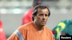 L'entraîneur français Pierre Lechantre à Kashima, dans le nord-est de Tokyo, 30 mai 2001.