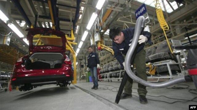 Pabrik mobil di Brazil tiap hari menghasilkan 10.000 mobil baru merek Ford, Chevrolet dan Fiat, namun kualitas produksinya dinilai buruk (foto: ilustrasi).
