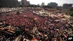 Place Tahrir au Caire, Egyptw, 3 juillet, 2013.