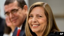 La directora de la División de EE.UU. en la cancillería cubana, Josefina Vidal, anunció que dentro de poco equipos de funcionarios de EE.UU y Cuba, reunidos en Washington, estarán listos para dar a conocer un acuerdo preliminar.