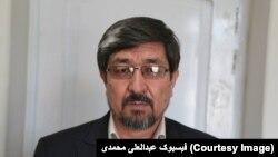 ادعا شده است که آقای محمدی در حصول قرضه های کابل بانک، اجراات غیرقانونی داشته است.