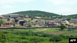 FILE - South African President Zuma's private residence in Nkandla, some 178 kilometers north of Durban. South Africa's government cleared President Zuma of any wrongdoing during a controversial $20-million revamp at his private home, Nov. 4, 2012.