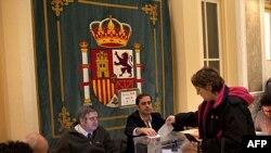 Cử tri Tây Ban Nha đi bỏ phiếu tại Madrid, ngày 20/11/2011