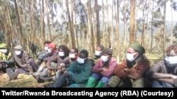 Bamwe mu barwanyi ba Red Tabara berekanywe n'u Rwanda