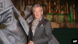 "FILE - Actor Sir Ian McKellen is pictured at the world premiere of ""The Hobbit: The Battle of the Five Armies"" in London, Dec. 1, 2014. McKellen is not dead, contrary to a story first published last year and recently recirculated."