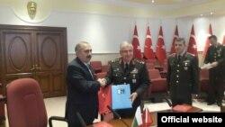 پاکستان اور ترکی سے سیکرٹری دفاع
