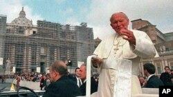 'Bio je svetac već za života' - američki teolozi i svećenici o beatifikaciji Pape Ivana Pavla Drugog