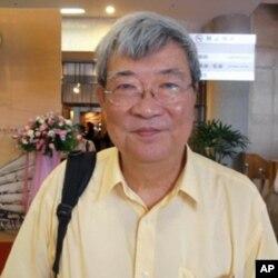 台湾大学哲学系教授王晓波