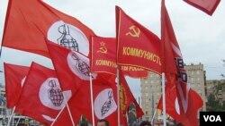 2012年夏季,信奉共产主义的俄罗斯一些左翼势力(没有俄共),以及哈萨克独立工会势力在莫斯科市中心集会,抗议中国资本和哈萨克斯坦官方联合起来迫害哈萨克石油工人。