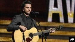 Juanes ganador de los premios Grammy se presenta este miércoles en el Wolf Trap.