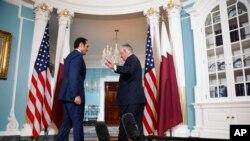 Rex Tillerson avec le ministre qatari des Affaires étrangères, cheikh Mohammad ben Abdel Rahman Al Thani, Département d'Etat, Washington, le 27 juin 2017. (AP Photo/Jacquelyn Martin)