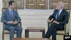 Suriye Devlet Başkanı Beşar Esat ve Uluslararası Kızıl Haç Komitesi başkanı Jacob Kellenberger