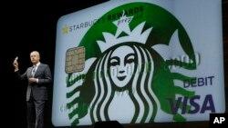 """""""Nuestras nuevas reglas cierran las brechas legales y protegen a los consumidores pre-pago cuando usan sus tarjetas, compran por internet o escanean su celular"""", dice el Buró de Protección Financiera del Consumidor."""