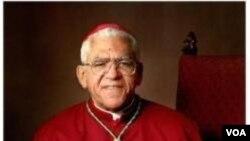 Monseyè Guy Sansaricq, ki pase 60 tan o-sèvis Legliz Katolik.