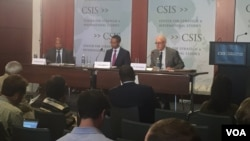 (L to R): Mwamoyo Hamza, VOA Swahili service chief, Vincent Makori, managing editor of English TV to Africa, and former U.S. Ambassador to Kenya, William Mark Bellamy, discuss recent Kenyan elections at CSIS, August 16, 2017.