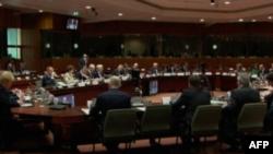 BE takim në Bruksel, diskutohet situata në Libi dhe kriza ekonomike