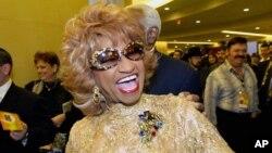 """Celia Cruz, una de las cantantes de salsa más populares de la historia, fue conocida internacionalmente como la """"Reina de la Salsa""""."""