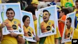 Fan Brazil vẫn hy vọng rằng cơ hội đang nghiêng về đội nhà.