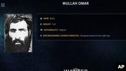 Poster FBI yang menunjukkan gambar Mullah Omar (foto: dok). Pemimpin Taliban Mullah Omar tidak pernah terlihat di depan umum selama 5 tahun terakhir.