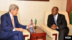 AU deputy chairperson Erastus Mwencha and US Secretary of State John Ker