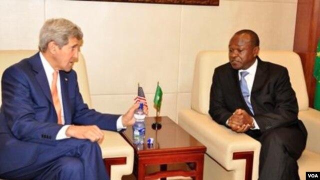 AU deputy chairperson Erastus Mwencha and US Secretary of State John Ker