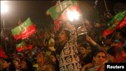پی ٹی آئی کے مشتعل کارکنوں کا کراچی میں احتجاج
