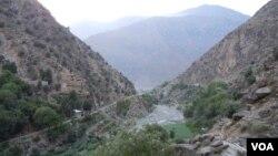 در سال ۱۸۹۳ میلادی، خط دیورند به عنوان مرز میان افغانستان و هند بریتانیوی مطرح شد.
