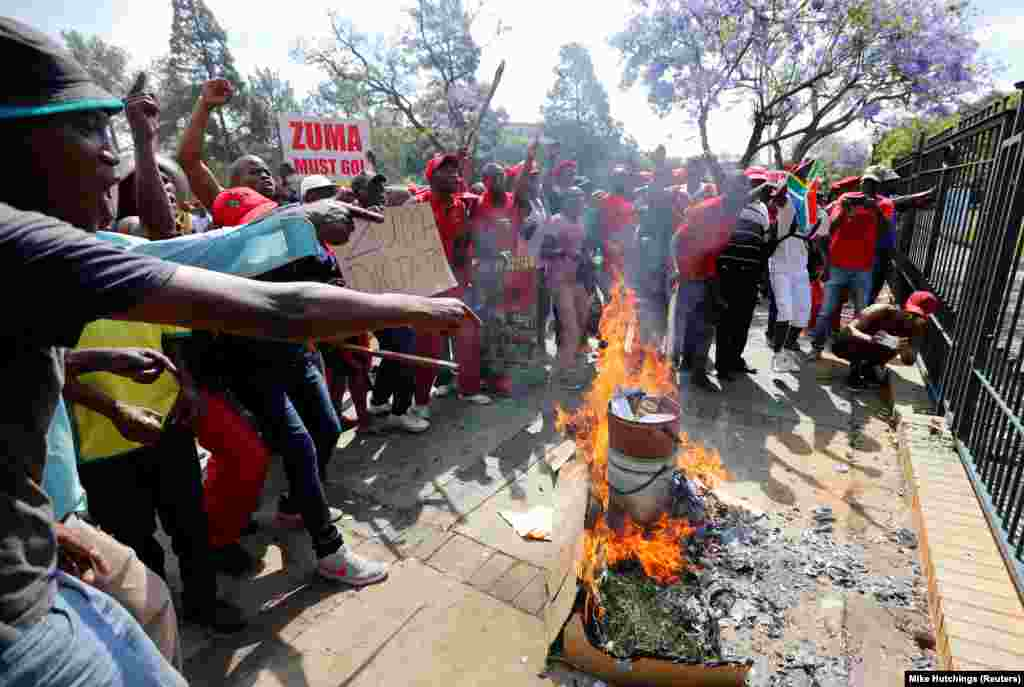 """""""Zuma fora"""" - manifestações em Pretória"""